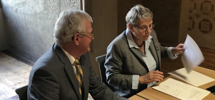 Mardi 9 avril, en présence de Mme Métraux conseillère d'Etat, la FEV a déposé sa demande de reconnaissance d'intérêt public